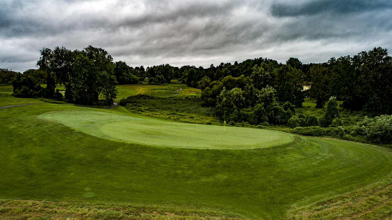 The redan 8th green